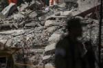 New earthquake shakes jittery Mexico(AP)